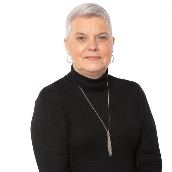 Headshot of Suzanne Bradley